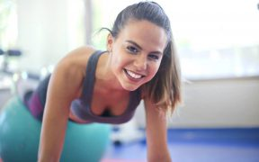 Sporten en work-outs die je perfect thuis kan doen